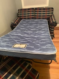 Loveseat bed  clean       $100 Greeneville, 37743