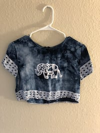 blue and white scoop-neck crop top with elephant  Plano, 75093