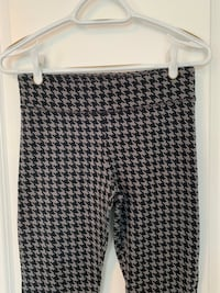 Small Joe Fresh stretchy houndstooth print women's leggings pants