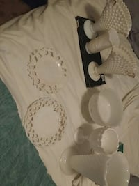 Milk glass / dish set Glen Burnie