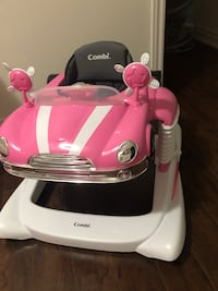White and pink combi walker with weels used only one week Mississauga, L5B 1G1