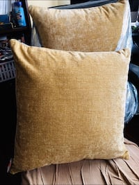 "BNWT - 2 toss pillows 24""x24"" in cumin/ gold colour Oshawa, L1J 8N4"