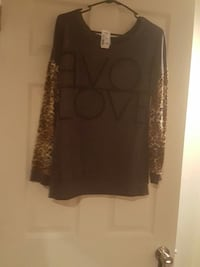 black and white leopard print scoop neck shirt Glen Burnie, 21060