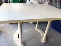 Kitchen/Dinning table - Extendable - Off white Newmarket, L3X 0C5