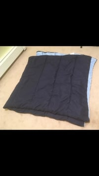 Reversible Full(Double) Size Comforter. Only used a couple times! Dartmouth, B2X 1H7