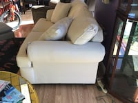 New cream colored love seat by Klaussner  Virginia Beach, 23462