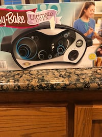 NEW IN BOX easy bake ULTIMATE Oven (hard to find ) Modesto, 95355