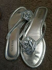 pair of gray leather sandals Naples, 34102