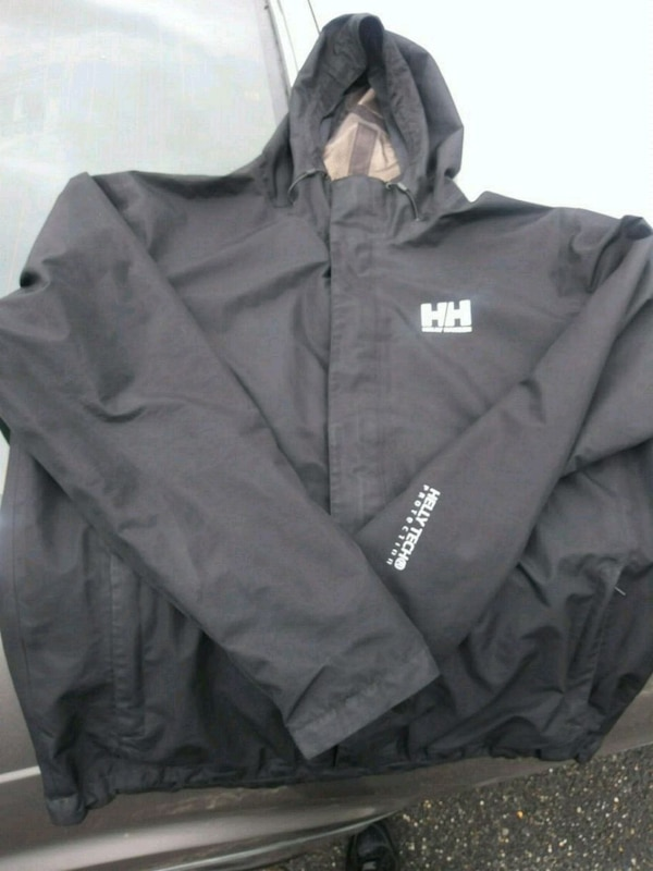 New Black Helly Hanson