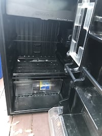Sanyo dorm size fridge 2383 mi