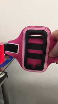 Apple iPhone 4 pink and black arm band North Las Vegas, 89081