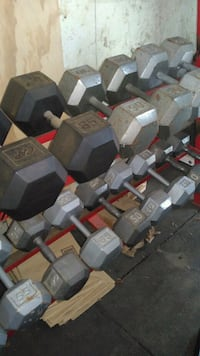 Dumbells 40-95 pound set with rack, 1620lbs Toronto, M6L 1Z7
