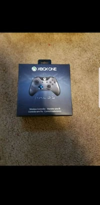 Brand new halo 5 xbox one controller Branford, 06405