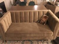 Very cute velvet couch in great condition!  Los Angeles, 90046