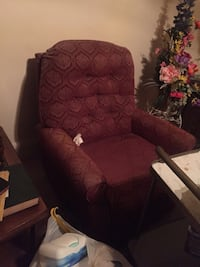 Recliner maroon print for sale Baltimore, 21234