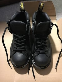 Doc Martens Air Wave Boots. New in Box. Size 4 UK size 6 US. Made in England. Leather Uppers. Air Cushioned Soles Cochrane, T4C 1K6