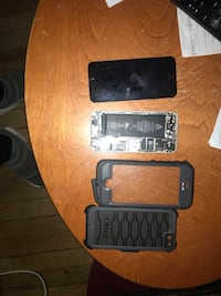 iPhone 5s Bell 32gb OBO and good case  Moncton, E1A 2W8