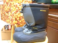 size 6 Columbia winter boot,2169 Mississauga
