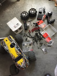 4x4 REVO NITRO 3.3 with lots of upgrades  comes with reverse, new servos with metal gears, new wiring, blue aluminum chasis, custom shocks new remote, lots of extra parts, a set of sand tires,  including a galling of nitro. Its been in storage since last  Albuquerque, 87102