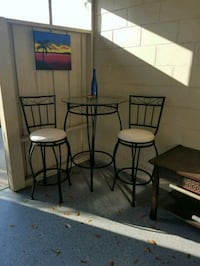 Tall table & 2 chairs Orlando, 32812