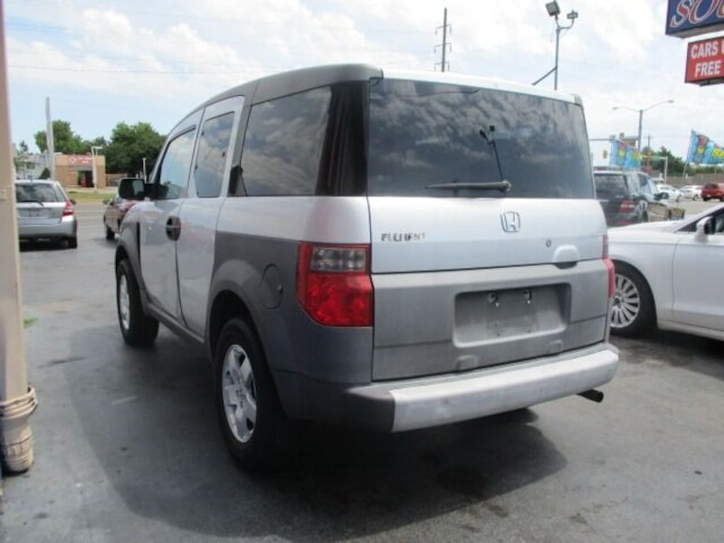 Honda-Element-2003 5d1eed4f-27dc-42cd-a0f0-06e0bc19ff16