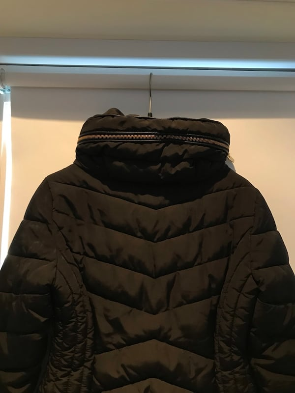 Winter Jacket 55adc1dc-ddc9-4e7c-aa50-bf59763f80d4