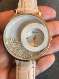 White crystal watch- needs new batteries  Toronto, M9V