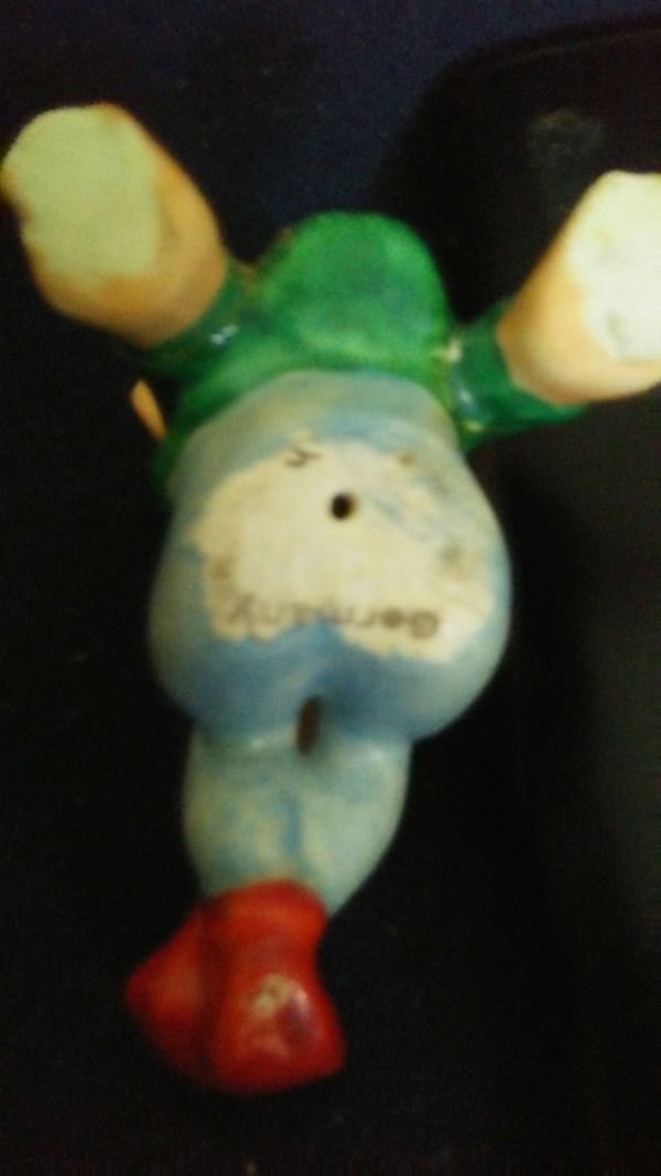 MADE IN 1930's GERMANY NOME FIGURINE WITH FLY ON   5