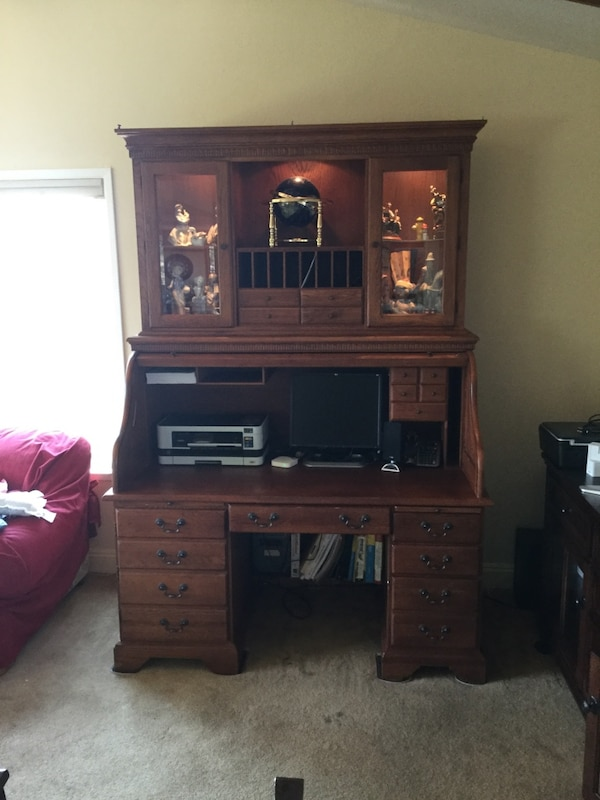 Riverside Furniture Sutters Mill Collection Computer Roll Top Desk With Lighted Hutch