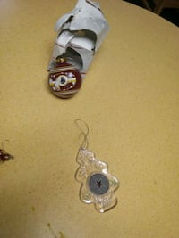 Redskins and Cowboys Ornaments for Sale. Norfolk, 23503