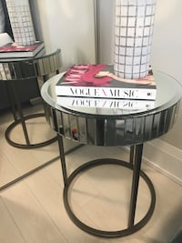 Mirrored coffee table/side table Toronto, M2N 0H1