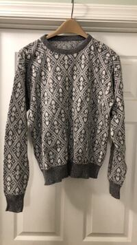 Men's cotton sweater, Medium. Millstone Township, 08510