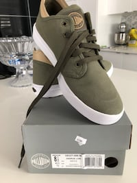 Palladium sneakers men original price 160$