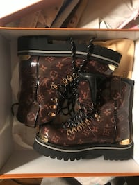 Louis Vuitton boots worn 1 time Elizabeth, 07201