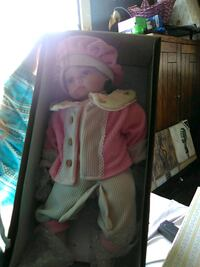 pink and white dressed doll in box Perrysburg, 43551