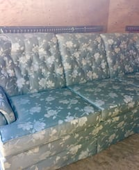 Reduced again..Sklar Peppler couch and 2 matching clean chairs