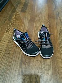 Size 13 Under Armour Shoes Blue and Black Warren, 48091