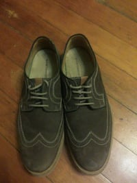 pair of black leather shoes Calgary, T2T 3P5