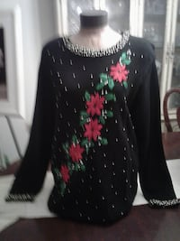 Women's Pull Over Sweater Size XL DISTRICTHEIGHTS