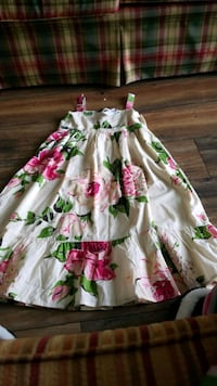 Girls size 8 Gap dress.new with tags