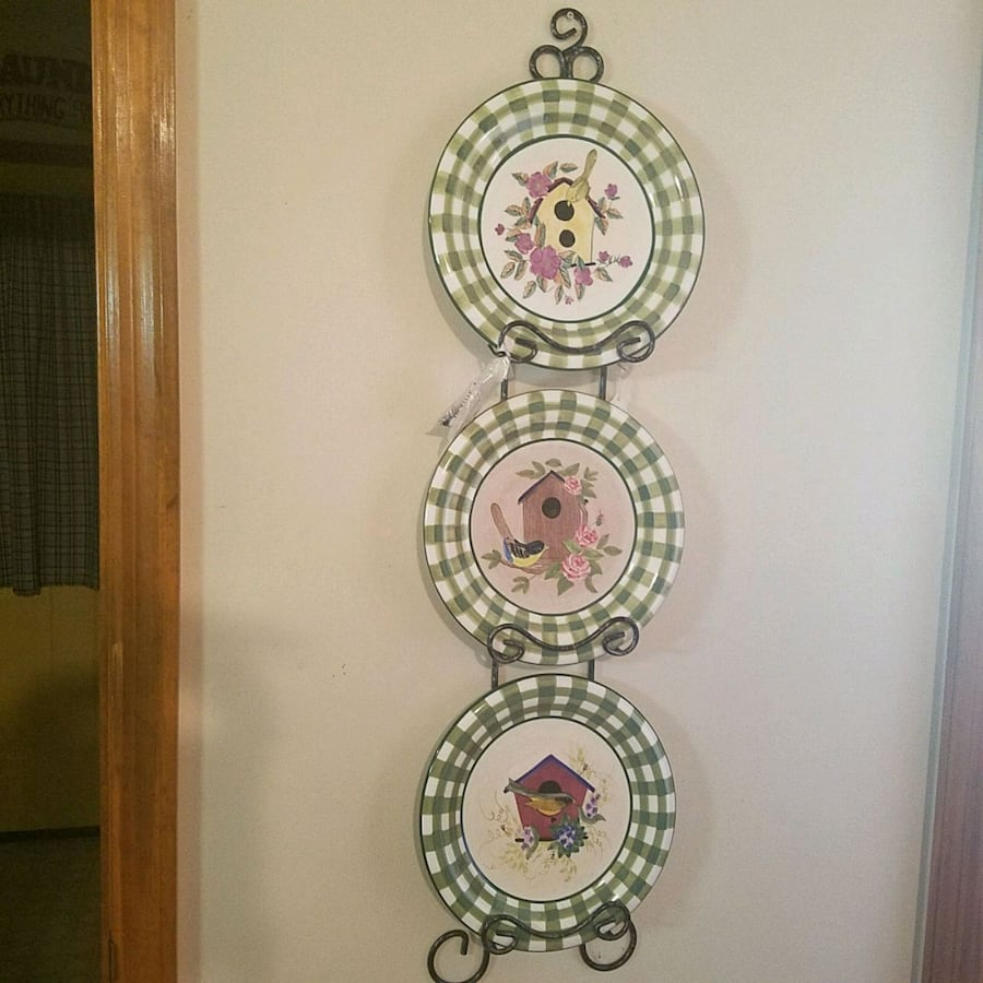 Decorative plates and wall rack