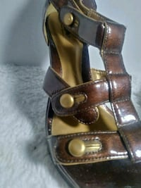 pair of brown leather open toe ankle strap sandals Caseyville, 62232