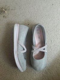 pair of gray and pink flats 2301 mi