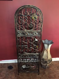 black and brown wooden floral table Valdosta, 31602