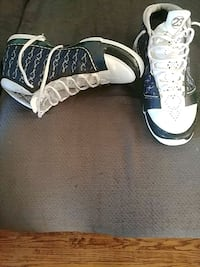 pair of black-and-white Nike basketball shoes Toronto, M1L 1Y5