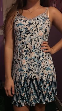 Women's blue and white floral sleeveless dress Waxhaw, 28173