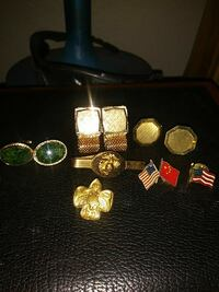 gold-colored jewelry lot