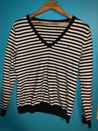 TOMMY HILFIGER STRIPED NAVY BLUE AND WHITE LONG SLEEVE KNIT Toronto, M6P 2T3