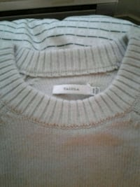 Talula small cropped sweater new Vancouver, V6B