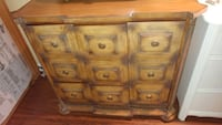 Beautiful Antique Dresser Dollard-des-Ormeaux, H9G 1V9